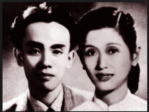 Nhạc sĩ Hoàng Việt và vợ - Ảnh: tư liệu