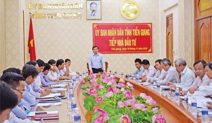 Trong năm, UBND tỉnh tổ chức nhiều hội nghị phát triển kinh tế. Ảnh: Thái Thiện