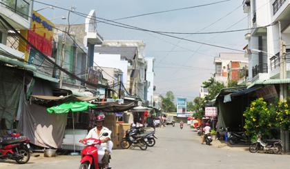 Chợ Thiên Hộ được xây dựng khang trang tạo bước phát triển cho xã.