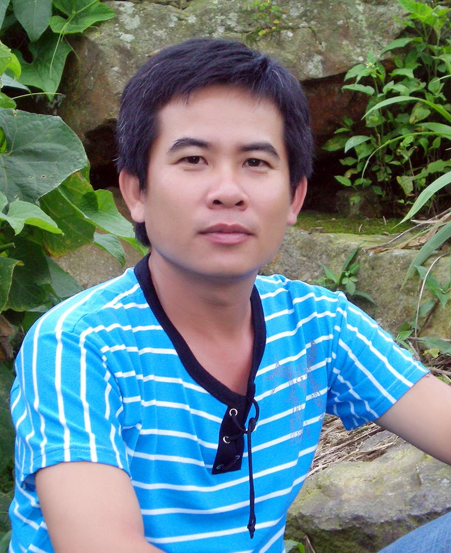 Chân dung tác giả Nhật Linh